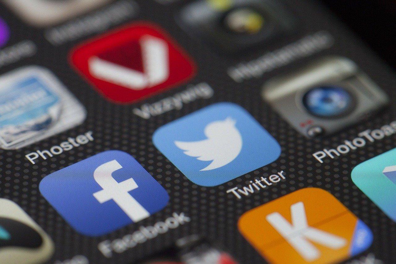 aplikasi blogging
