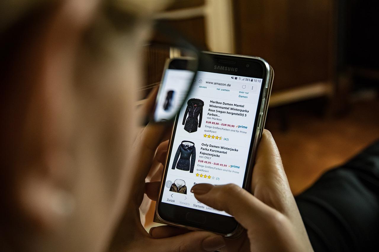 Akses website lewat perangkat mobile