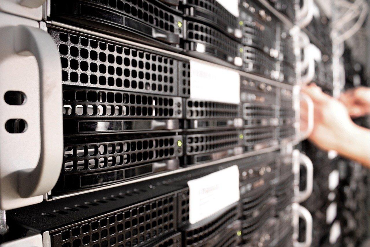 Perbedaan VPS dan Dedicated Server, Bagus Mana? - Qwords