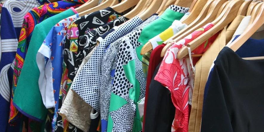 jual pakaian hasil rancangan sendiri
